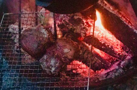 焚火で塊肉を焼くコツ!!